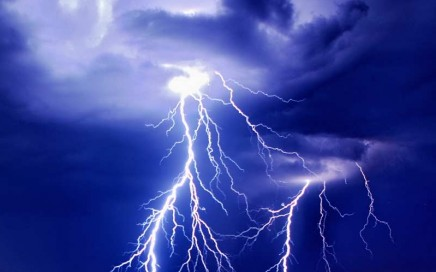 Header-Lightning-Thundersto